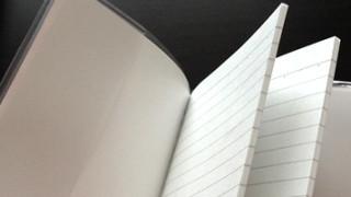 ファスナー付ポケットがついてるセリアのA6ノートは、サブ手帳として使えるのか模索中。