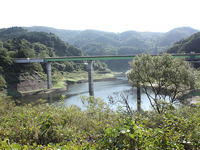 浅瀬石川ダムの風景