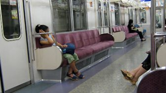 その日常にはいつもドラマがある。有川浩さんの阪急電車を読みました。