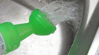 重い2リットルでも使いやすいペットボトルじょうろの作り方。